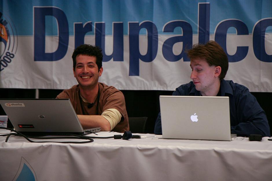 Photo - Gábor Hojtsy and Jose Reyero presenting in Boston